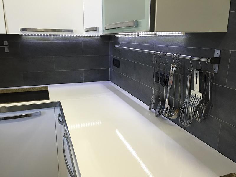 Cambiare colore mobili cucina vernice per interni che tipo blog edilnet vernice per interni che - Cambiare colore ai mobili ...